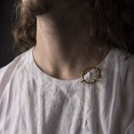 Chemise brodée Moyen Age - Vrginie Chaverot Photo Colin Marragou
